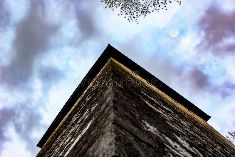Stara księżyc w Bihac i wierza zdjęcia royalty free