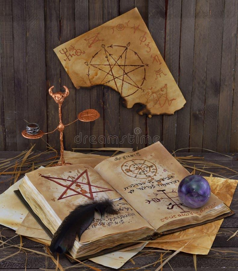 Warlock książka fotografia stock