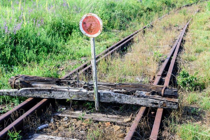 stara linia kolejowa Ko?c?wka linia zdjęcie royalty free