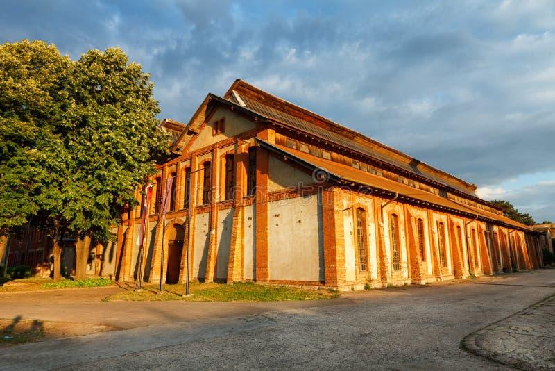 Stara Livnica, arsenal velho de Knezev da fábrica em Kragujevac, Sérvia Construção maravilhosa foto de stock