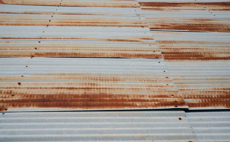 Stara metalu prze?cierad?a dachu tekstura Ośniedziała galwanizująca żelazo dachu tekstura zdjęcie stock