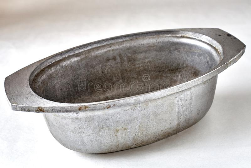 Stara obsady żelaza niecka zdjęcia stock