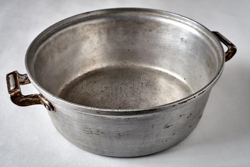 Stara obsady żelaza niecka zdjęcie stock