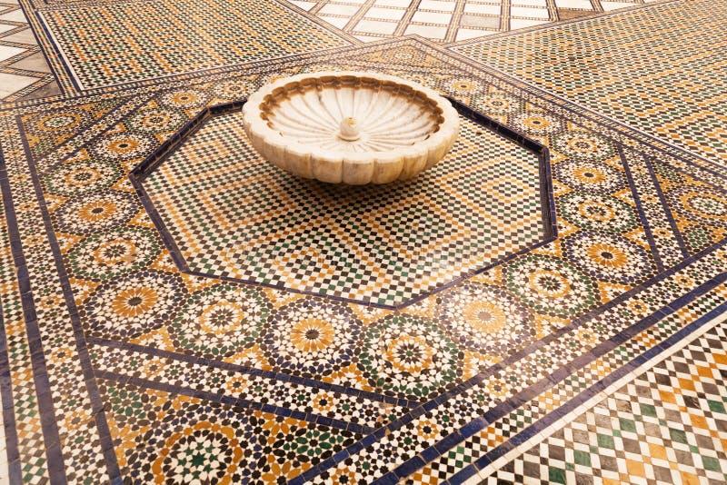 Stara podłogowa mozaika n muzeum Marrakesh obraz stock