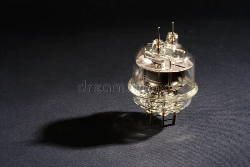 stara próżniowa tubka na czerni zdjęcie royalty free