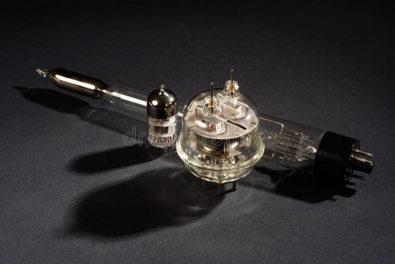 stara próżniowa tubka na czerni obraz royalty free