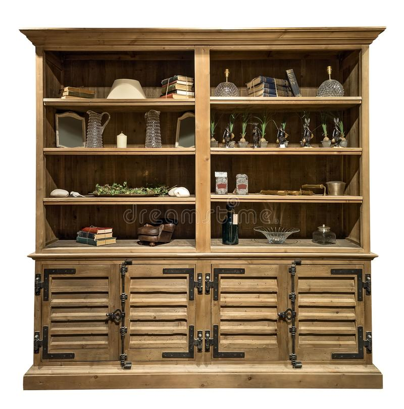 Stara rocznik spiżarnia z wewnętrznymi rzeczami Stary drewniany gabinet odizolowywający na białym tle zdjęcie stock