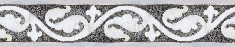Stara rzeźbiąca kamień rama z kwiecistym wzorem średniowieczny friez zdjęcie royalty free