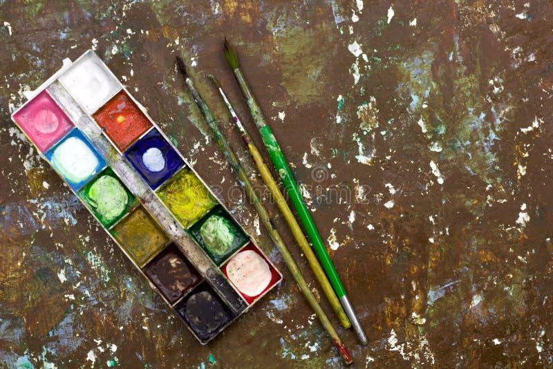 stara używać akwareli farby paleta, stary rocznik szczotkuje dla drawin zdjęcie royalty free