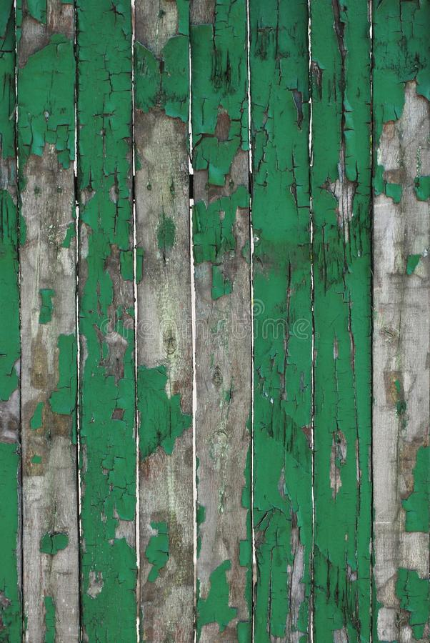Stara Wietrzejąca Naturalna Drewniana tła ogrodzenia czerepu tekstura Nieociosany Drewniany Debarked tekstury zieleni obraz sztan zdjęcia royalty free