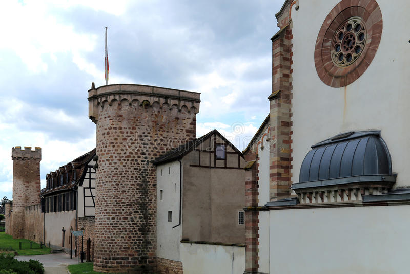 Stara wioski ściana, Obernai, Alsace, Francja zdjęcie stock
