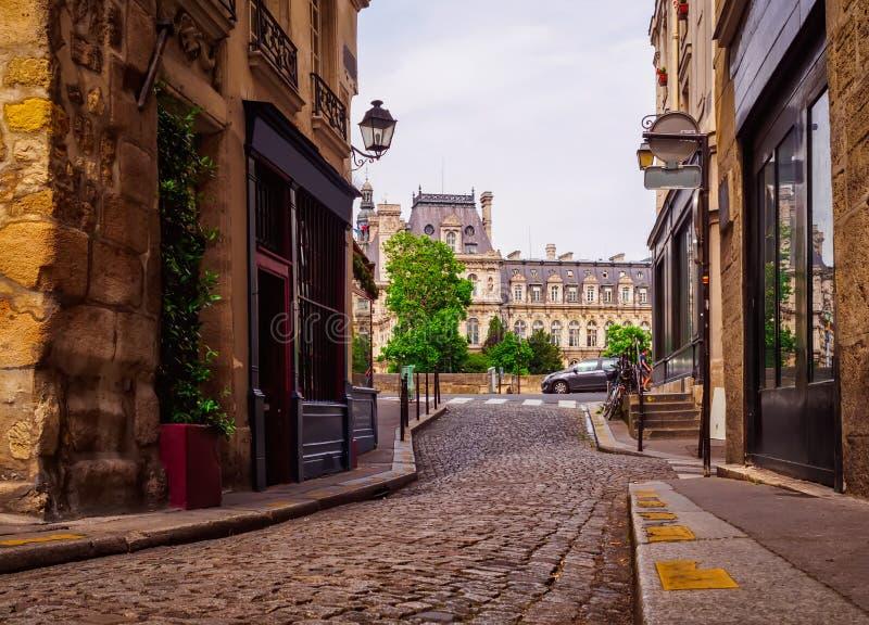 Stara wygodna ulica w Paryż fotografia royalty free