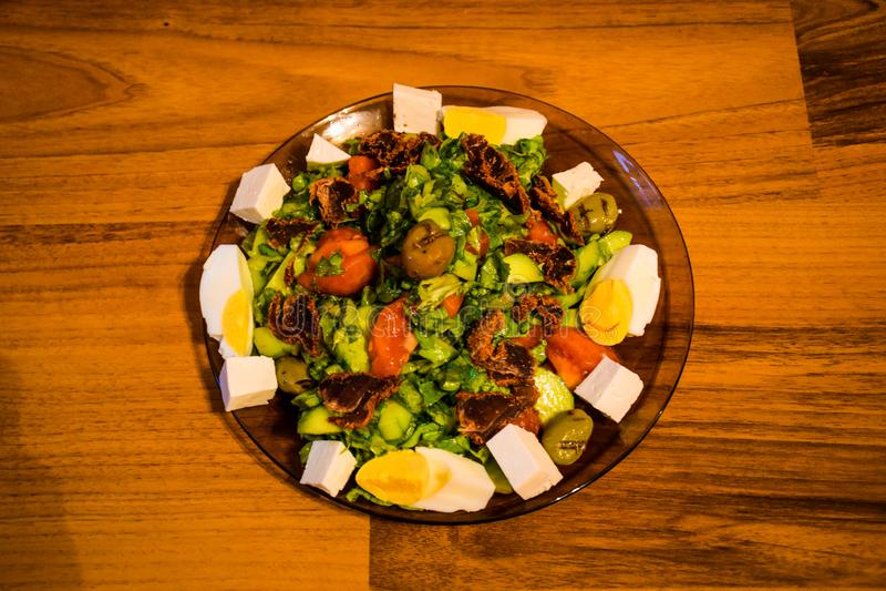 Stara Zagora, Bulgária, salada vegetal da mola foto de stock