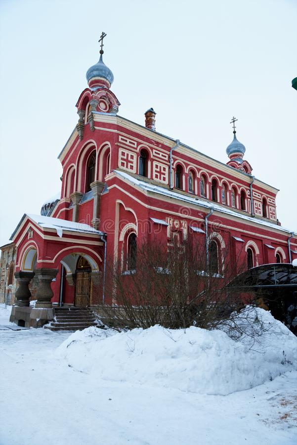 Staraya Ladoga, Russland, am 5. Januar 2019 Die hauptsächlich orthodoxe Kathedrale des alten Mann-Nikolsky-Klosters lizenzfreies stockbild