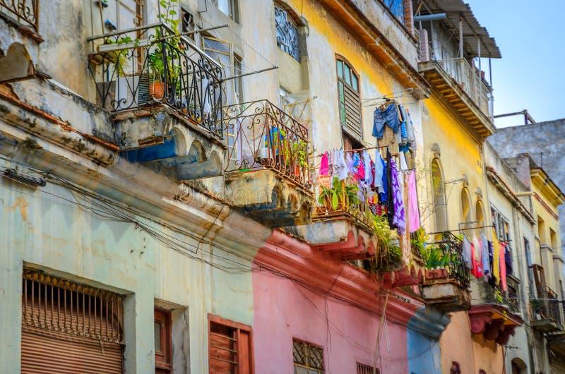 Stare ćwiartki w Kubańskim kapitale Hawański obrazy royalty free