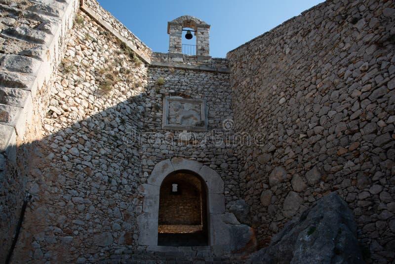 Stare ściany Palamidi kasztelu bramy w Naflplio, Grecja obraz stock