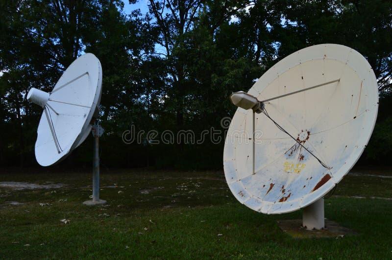 Stare anteny satelitarne obraz royalty free