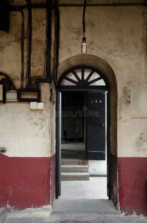 stare drzwi obrazy royalty free