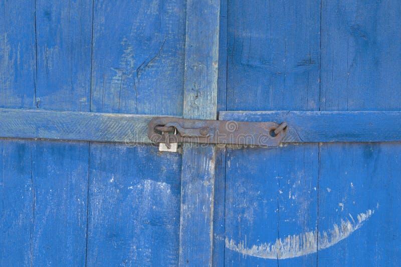 stare drzwi farba prawie pójść tam jest zaparcie tam tonuje obraz royalty free