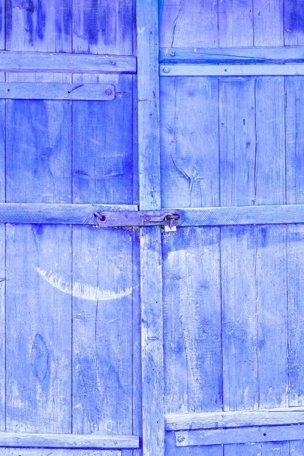 stare drzwi farba prawie pójść tam jest zaparcie tam tonuje fotografia royalty free