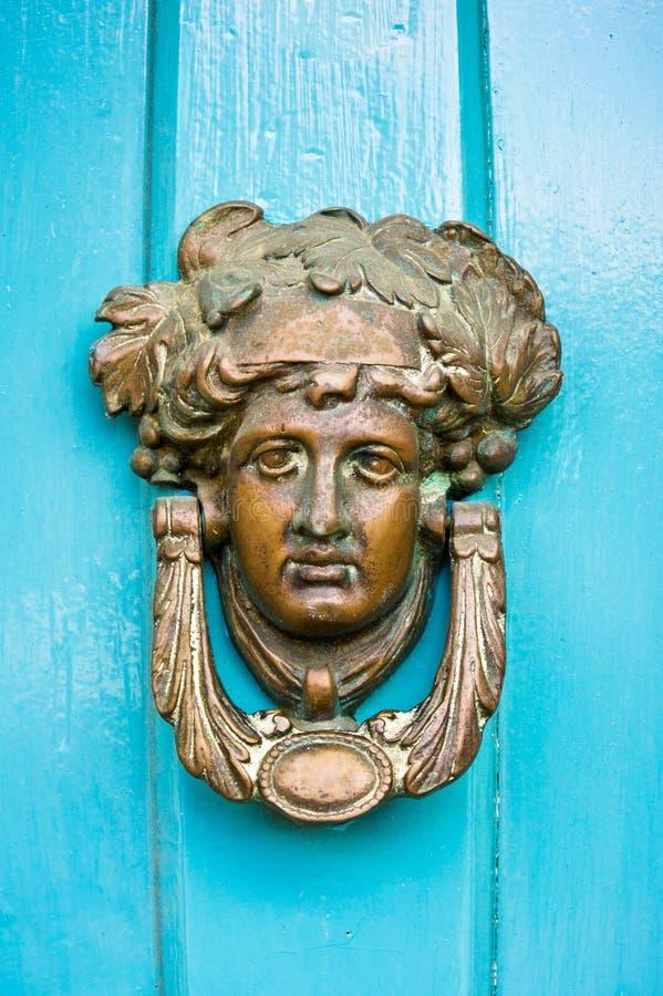 stare drzwi knocker zdjęcia royalty free