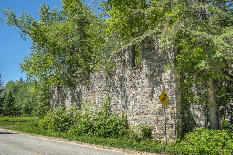 Stare kamiennej ściany ruiny obraz stock