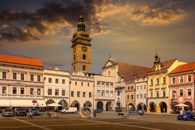 Stare Miasto Ceske Budejovice, Budvar, Czechy O zachodzie słońca obraz stock