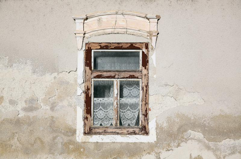 Stare okno domu obrazy stock