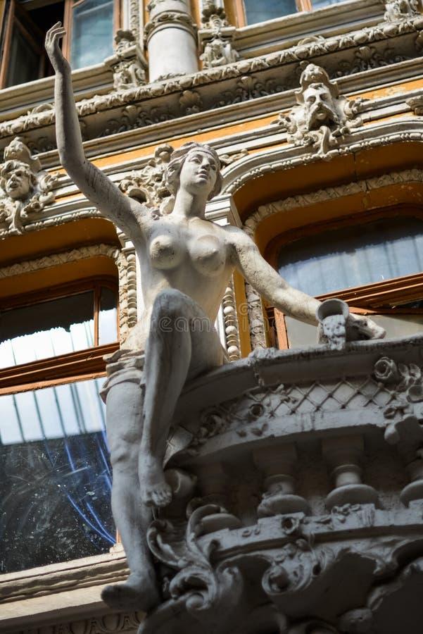 Stare rzeźby na balkonie Odessa przejście zdjęcie royalty free