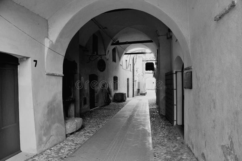 Stare ulicy w Toirano obraz royalty free