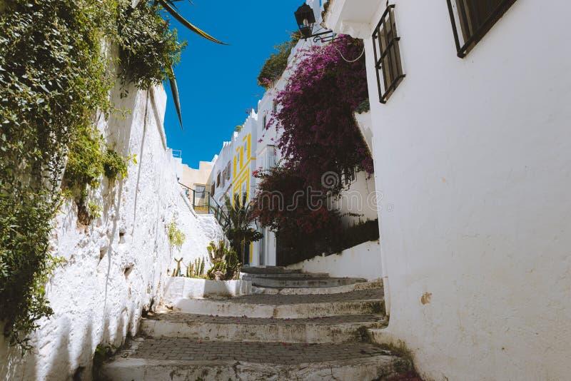 Starecase dans une rue de Tanger image stock