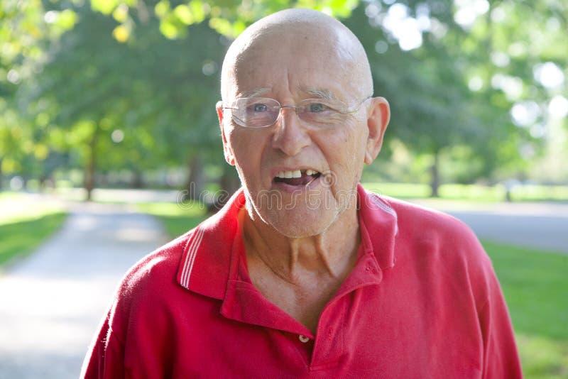 Starego Człowieka Brakujący ząb fotografia stock