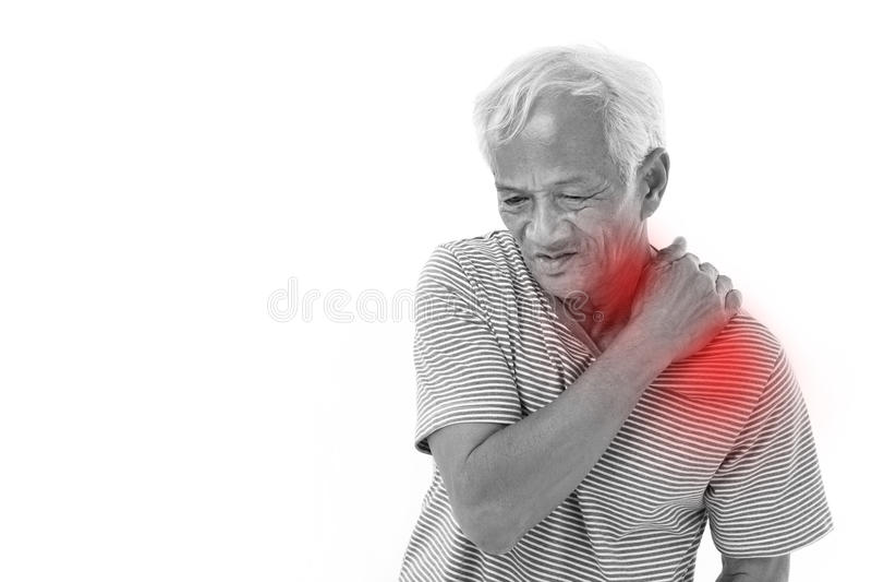 Starego człowieka cierpienie od naramiennego mięśnia rozognienia, urazu lub zdjęcie royalty free