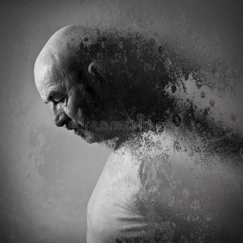 Starego człowieka stroskanie zdjęcia stock