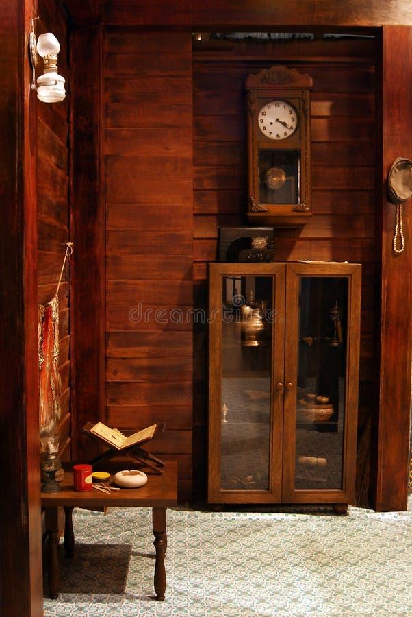 Starego malajczyka domu retro deco z koranu bookstand fotografia royalty free
