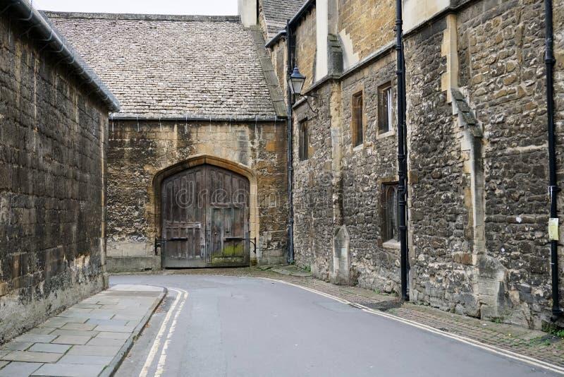 Starego miasta Uliczna scena w Oksfordzkim Anglia zdjęcie stock