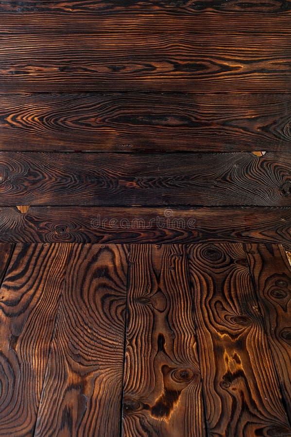 Starego naturalnego rocznika grunge ciemnego brązu nieociosany drewniany podławy tło lub drewno tekstura zdjęcie stock