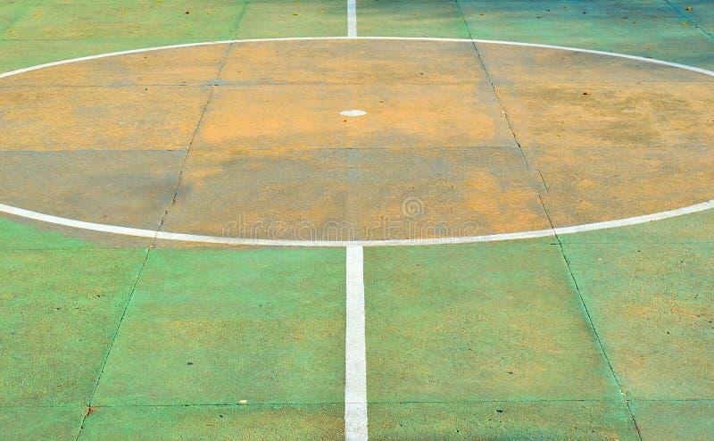 Starego piłka nożna sądu środka boiska pomarańczowy punkt zdjęcia royalty free