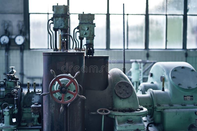 Starego przegranego abandonend budynku przemysłowa fabryczna elektrownia obraz stock