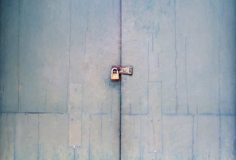 Starego rocznika retro drzwi robić twarde drzewo Ampuła zielenieje drewnianego zdjęcie stock