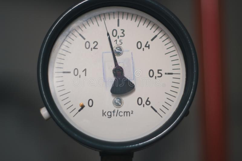 Starego rocznika sowiecki manometr lotniczy kompresor - mierzy lotniczego naciska fotografia stock
