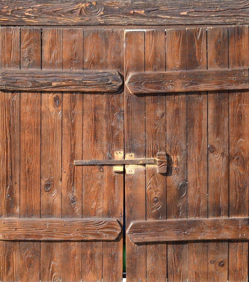 Starego stylu drewniany drzwi od średniowiecznej ery Wejście antykwarski miejsce zdjęcia stock