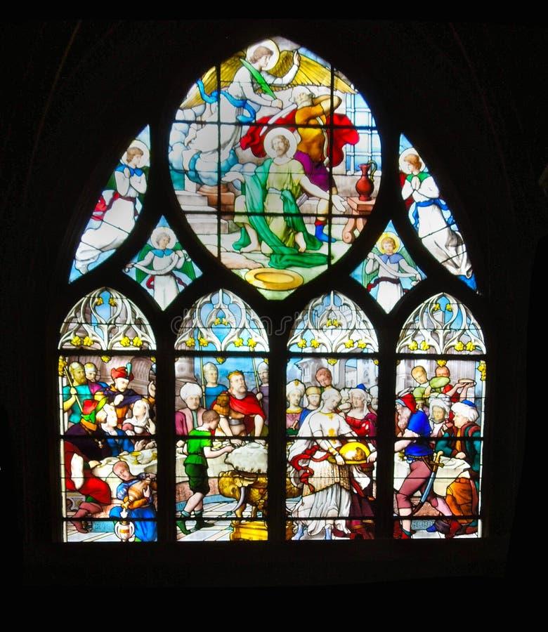 Starej Gockiej Kościelnej plamy Szklany okno Pionowo zdjęcie stock