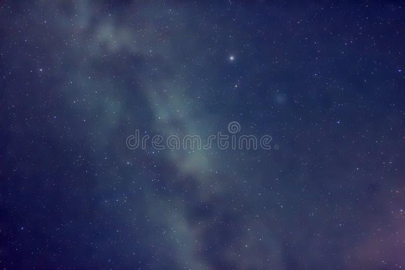 Starfield vor Milchstraße lizenzfreies stockbild