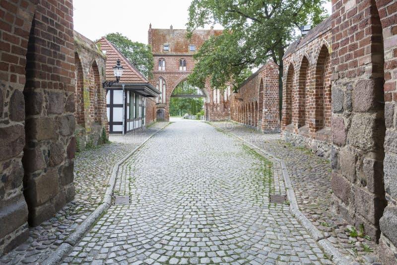 Stargarder Torport i Neubrandenburg, Tyskland royaltyfri foto