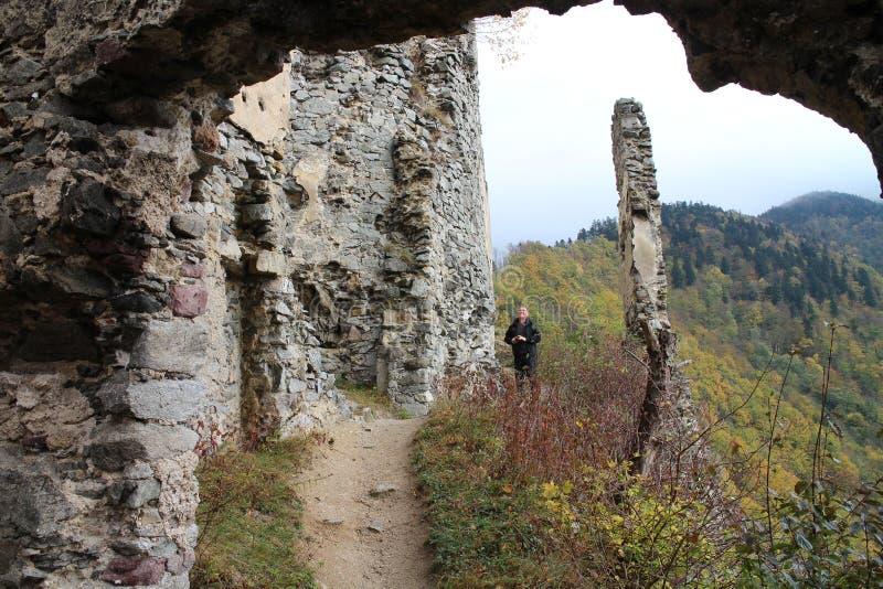 Starhrad城堡废墟在Å ½ ilina区域 免版税库存图片
