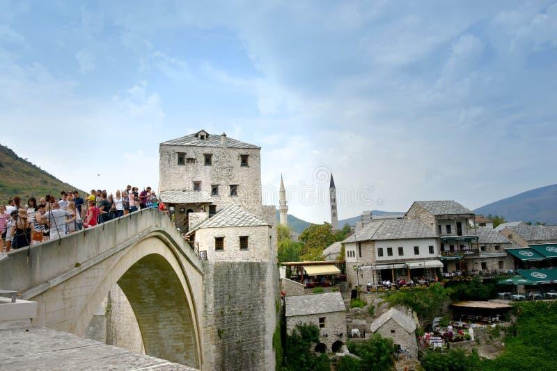 Stari mais, a ponte velha em Mostar imagens de stock