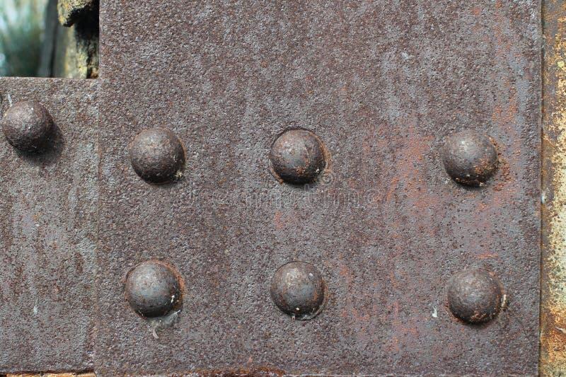 Starka stålnitar arkivfoton