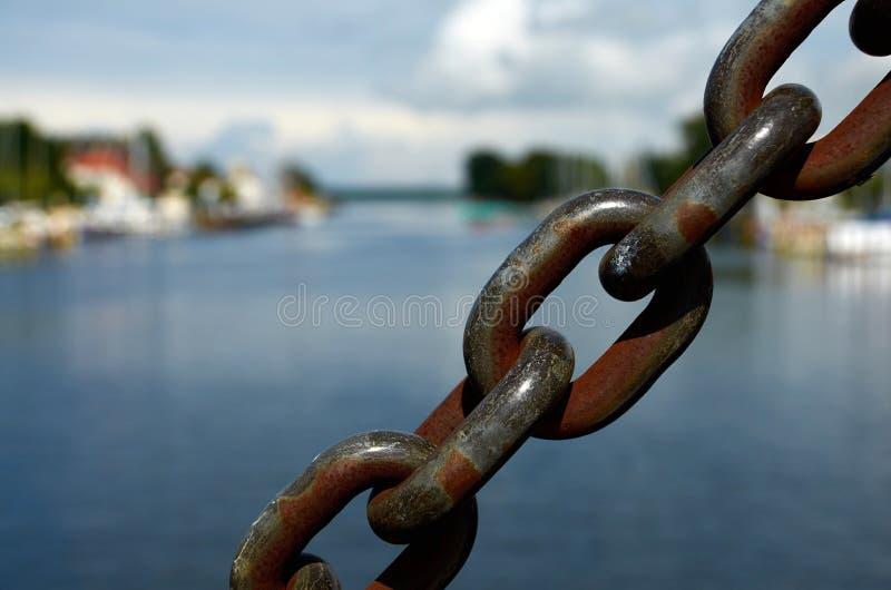 Starke Eisenkette lizenzfreie stockfotos