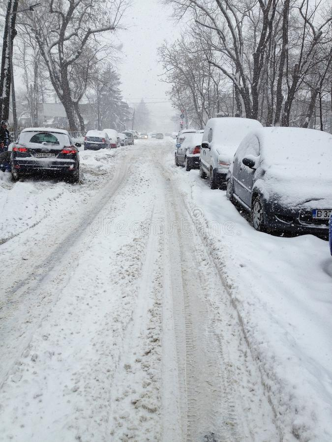 Starke Schneefälle in Bucharest stockbilder